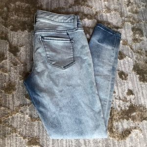 Mossimo denim Mid-Rise Jegging size 4/27R.
